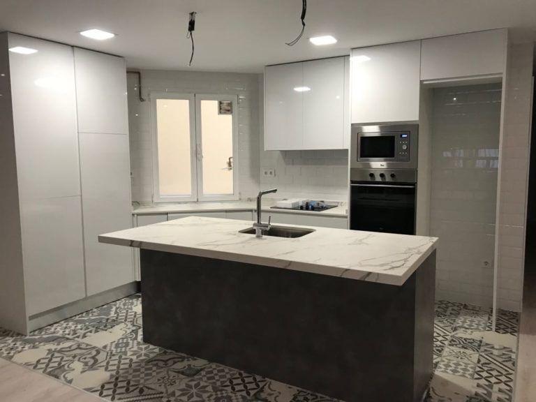 Diseño e instalación de cocinas a medida baratas en Madrid